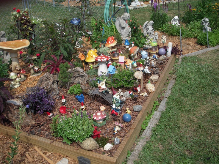 Gnome In Garden: 42 Best Images About Gnome Gardens On Pinterest
