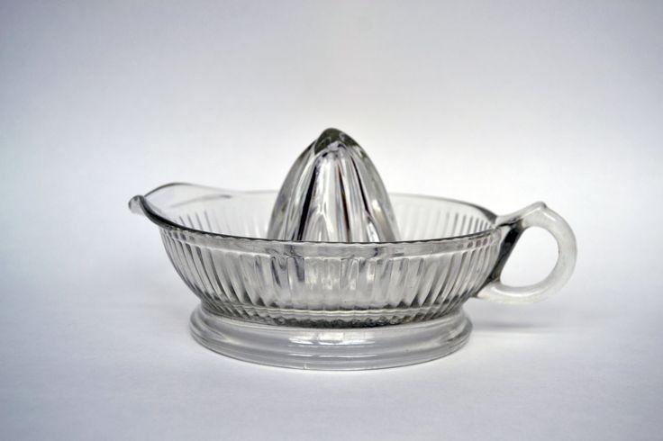 Vintage Glass Juicer - Retro Clear Glass Juicer - Vintage Kitchen Decor - Collectible Glass - Citrus Juicer - Mid-Century Modern Juicer