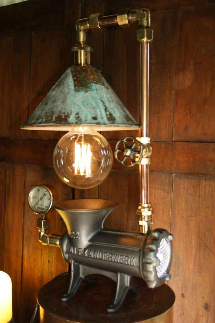 Industrielle Lagerhallen Eine Schatztruhe Fur Upcycling Ideen Rohrleuchte Designer Stehleuchten Diy Mobel Lampe