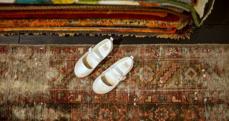 Vintage rugs http://www.sarmatiatrading.pl/kategoria-produktu/dywany-vintage/