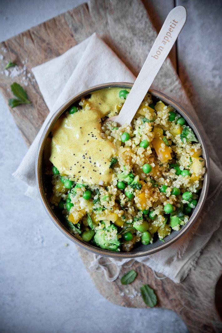 Curry-Quinoa-Salat mit Erbsen und Paprika. (Best Vegan Curry)