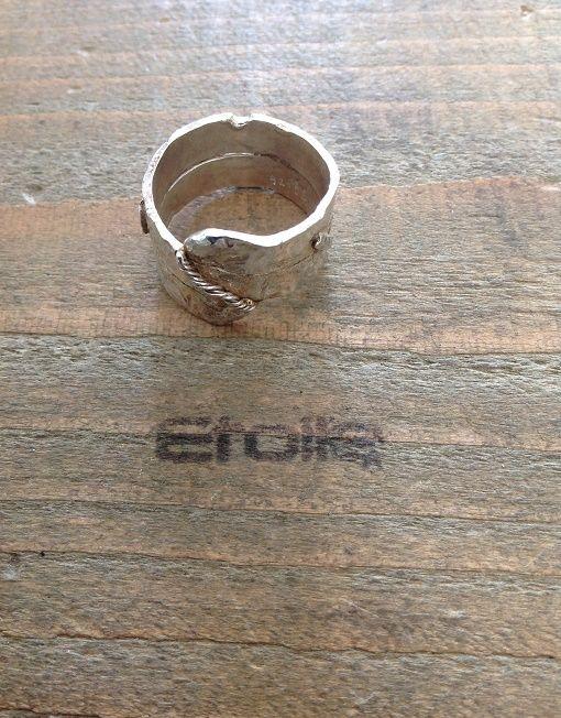 Anello Caos in argento martellato a mano €95,00