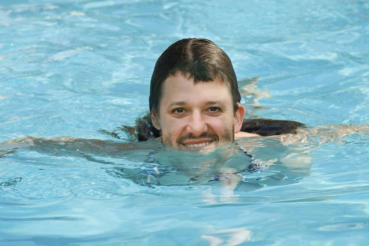 Tony Stewart relaxing at the Finger Lakes...