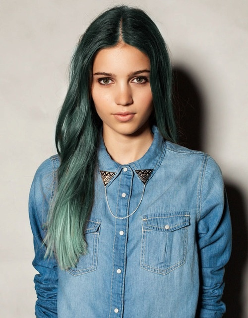 dark green hair beauty tips ideas pinterest naturally curly dark green hair and dark to. Black Bedroom Furniture Sets. Home Design Ideas