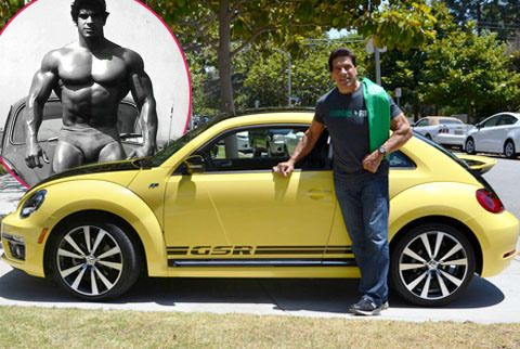 Flashback: Lou Ferrigno with a 2014 Volkswagen Beetle GSR, the latest version of the 'Bug' he drove in the 1970s.