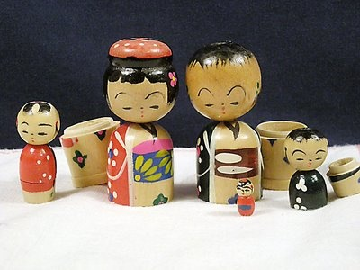 Vintage wood nesting Kokeshi Doll set