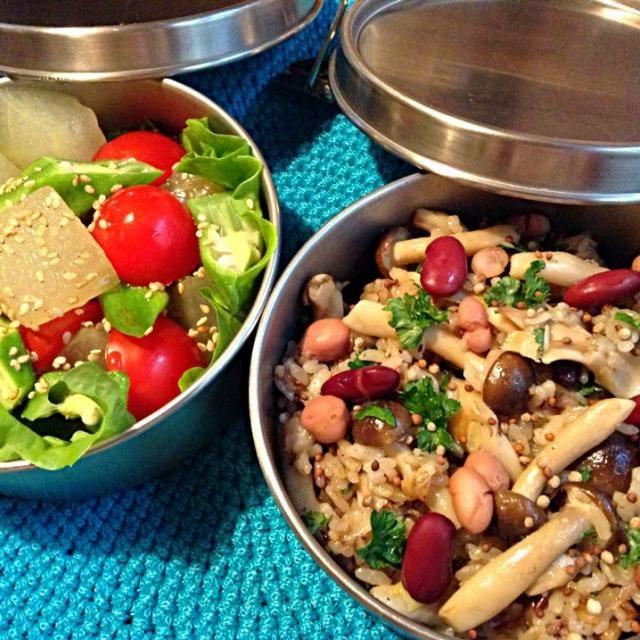 ヘルシーすぎて不安です〜 (。-_-。) - 49件のもぐもぐ - キノコ豆チャーハンと冬瓜サラダ弁当 by nnn04