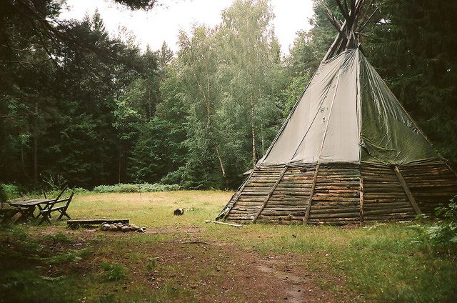 17 best images about mountain man tipi on pinterest the mid apache indian and the young. Black Bedroom Furniture Sets. Home Design Ideas