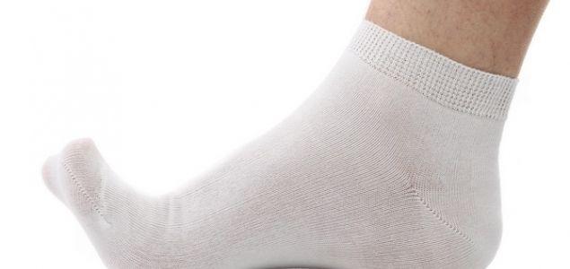 Как легко отстирать белые носки 0