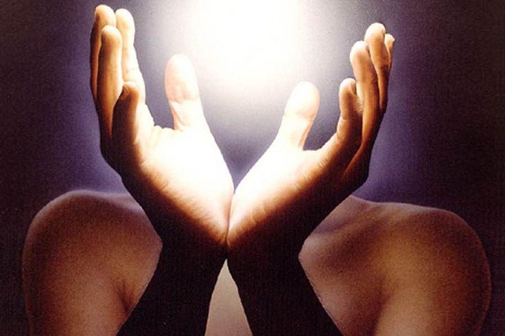 Entrena tus manos para dar Reiki Los/as lectores/as nos siguen preguntado sobre alguna técnica o ejercicio parar entrenar las manos para dar Reiki. Aquí tenéis la técnica que utilizamos en Reiki Nuevo: http://reikinuevo.com/como-entrenar-manos-dar-reiki/