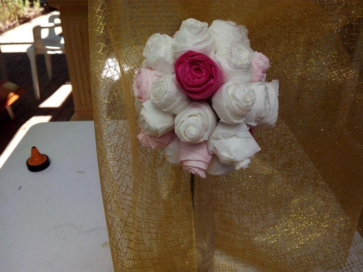 Diy como hacer Adorno floral para bodas con papel higiénico