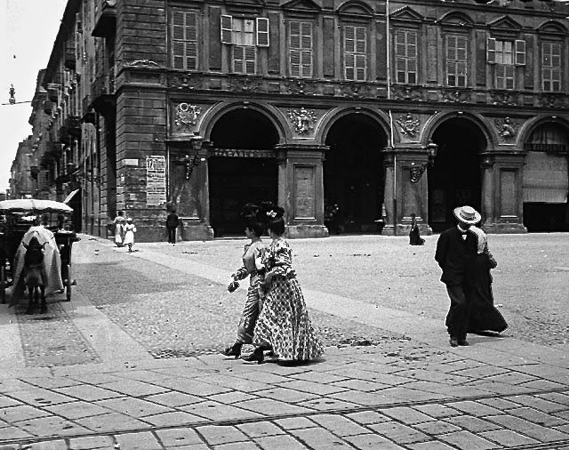 Piazza San Carlo 1905 .....quale eleganza!!!!