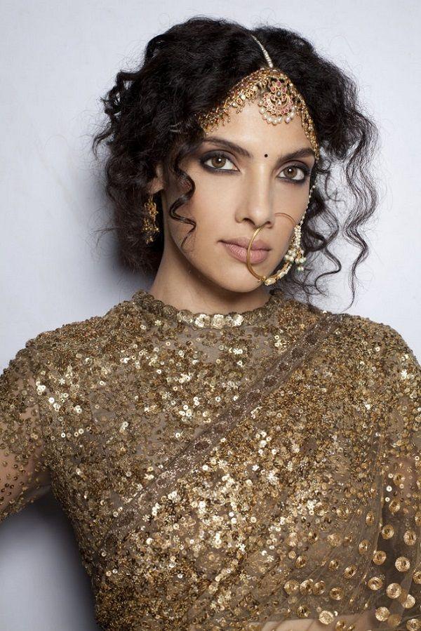DAY 1-Delhi Couture Week 2013-Sabyasachi - great sari top!