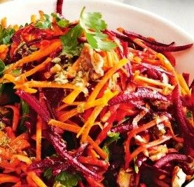 Thai Carrot Salad is an exotic appetizer or a spicy, chewy lunch. It is ready fast and works with all kinds of dishes.