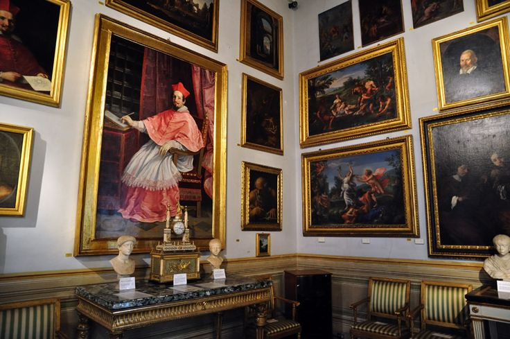 La Galleria Spada è ospitata nell'omonimo palazzo, che si trova in piazza Capo di Ferro a Roma. Il palazzo è famoso anche per la sua facciata, e per la falsa prospettiva del Borromini. Il museo è sito al primo piano del palazzo, nell'ala appartenuta al cardinale Girolamo Capodiferro, che lo aveva fatto costruire su edifici preesistenti di proprietà della famiglia dal 1548.