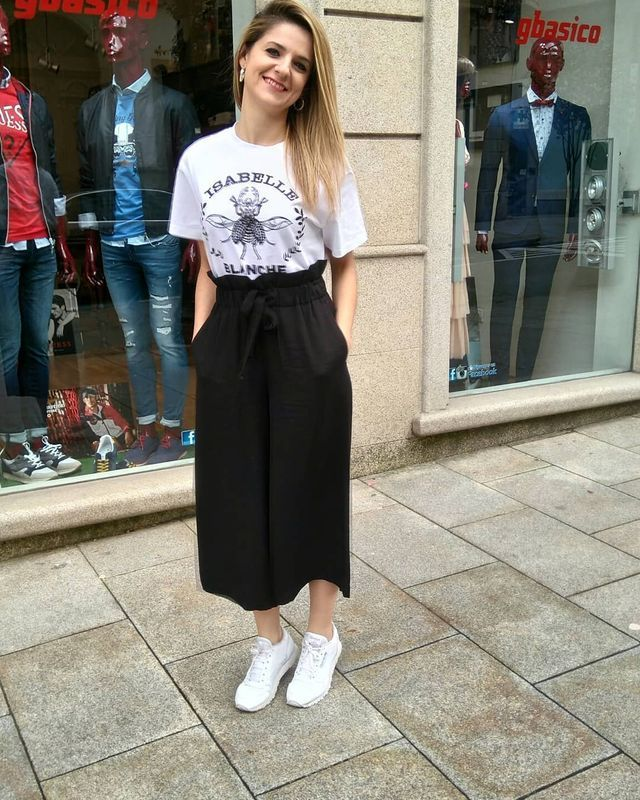 a2df8e315f7f How to wear culottes with sneakers during summer season