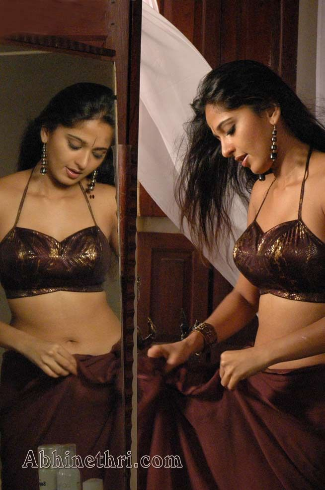 ALL SEXY SPICY JUICY WHORES/ACTRESS IN SAREE/BLOUSE:WANT TO FUCK & TASTE THEIR FLESHY BODY - Page 5 - Xossip