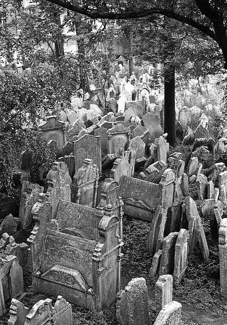 Jewish cemetary in the center of Prague, Czech Republic: the oldest cemetary in Europe