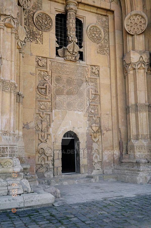 Divriği Ulu Cami Cami kapısındaki kaya kabartma desenlerinden... Divriği Great Mosque Divriği - Sivas - Türkiye Featured by