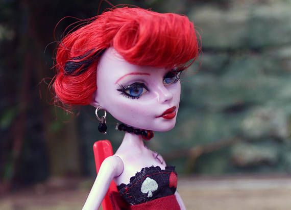 Check out this item in my Etsy shop https://www.etsy.com/uk/listing/563397391/alice-pin-up-monster-high-custom