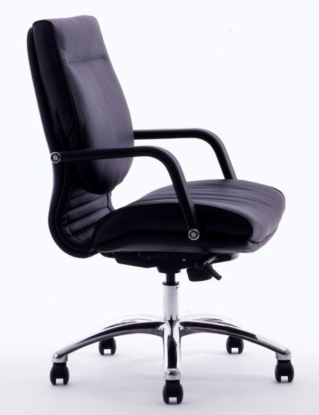 The Classic High back Executive Chair is standard Upholstered in Luxurious Black Soft Grade Leather, with Leather Fixed Armrests and a Polished Aluminium 5 Star Base. #seated #executive #chair #leather