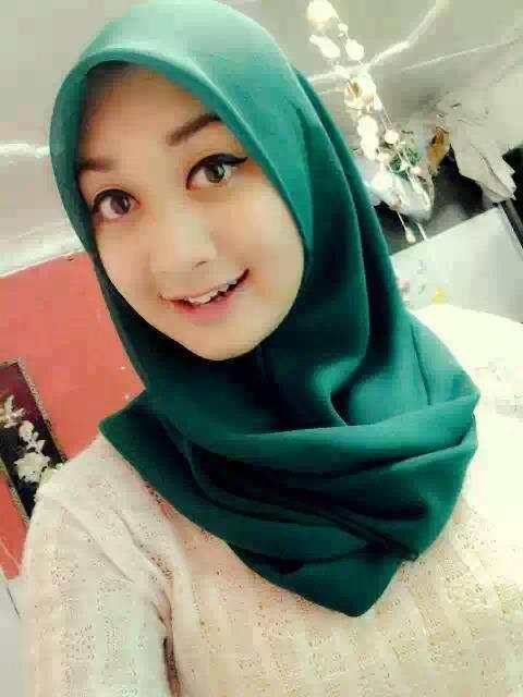 IGO Foto Wanita Cantik Asli Indonesia Yang Menggunakan Hijab / Jilbab Cantik, Jilbab / hijab lucu | Info Unik, Lucu, Menarik, DP BBM