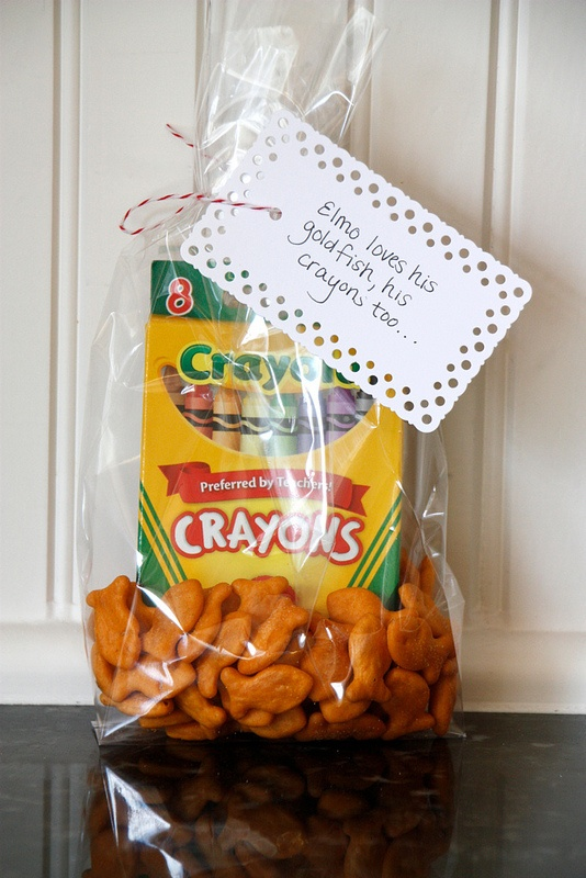 Simple and sweet Elmo party. Clever favors - goldfish and crayons!