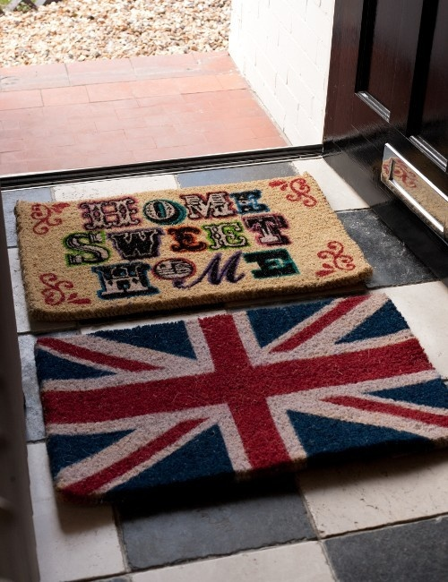 19.5 EU  These classic door mats with 2 great designs will make a bold and colourful entrance to your home. Choose from either the Home Sweet Home or Union Jack design.