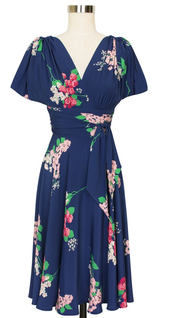 The Obi Dress returns in this lovely spring print with all of the features that have made this dress a Trashy Diva classic.