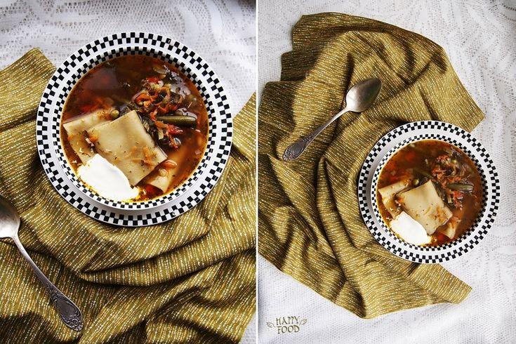 Овощной суп с соевым соусом и хмели-сунели