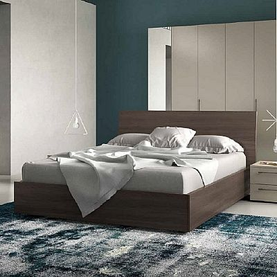 Contemporary, elegant 'Ugo' bed by Orme