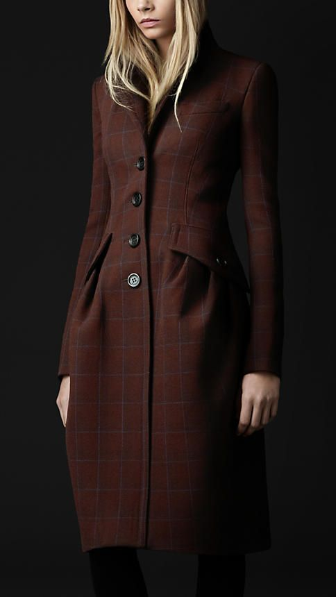 Something about this Burberry coat makes me happy.  I suspect it's the tweed.
