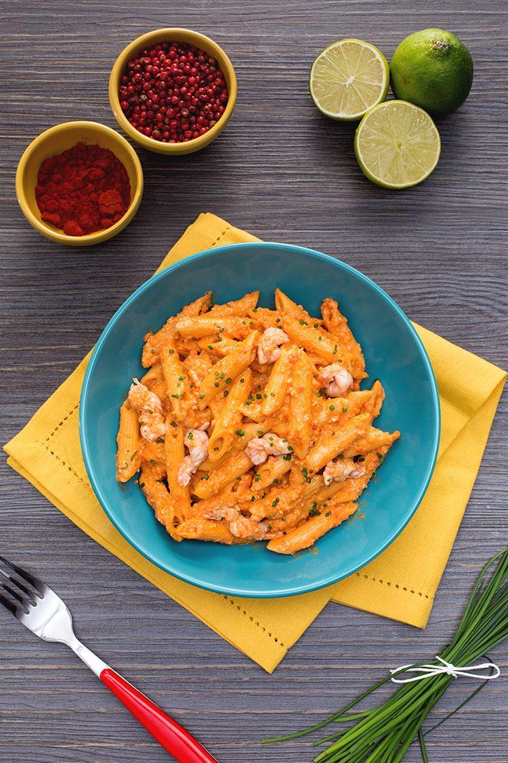 Adoriamo le #spezie #forti, #piccanti da abbinare ad un #primo di #pasta! Queste #penne al #pesto di #paprika e #scampi #marinati (penne with paprika pesto and langoustines) sono un assaggio #rock e deciso, molto #etnico e perfetto per una serata a tema! #lime, #pepe #garofanato e #anacardi sono solo alcuni ingredienti di questa #ricetta #Giallozafferano #spicy #NuoviVolti Manuel