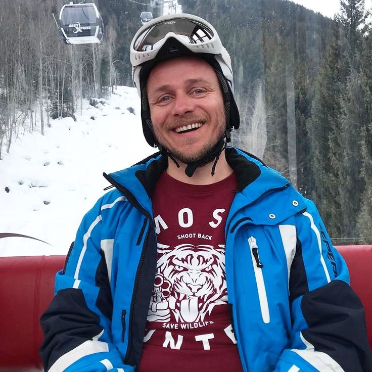 MOST HUNTED smiles are the best 😻  Thnx for the shot Robert!  #itmakesussmile #itscontagious   #mosthunted #smile #zellamsee #austria #snowboarding #tigersweater #shootback #savewildlife #endextinction #weekendgetaway #lovelife #lovewildlife #whereverwhenever #streetwear #streetstyle #streetfashion #awarenessfashion #fashionwithapurpose #bethechange #dressforsuccess #jointhepack mosthunted.com #beastlygoodstreetwear