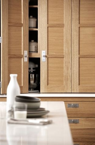 Martin Moore & Company: Studios Kitchens, Apartment Remodel, Angelo Kitchens, Wood Kitchens Cabinets, Laura Kitchens, Appliances Cupboards, Architecture Kitchens, Oak Cabinets, Cabinets Doors