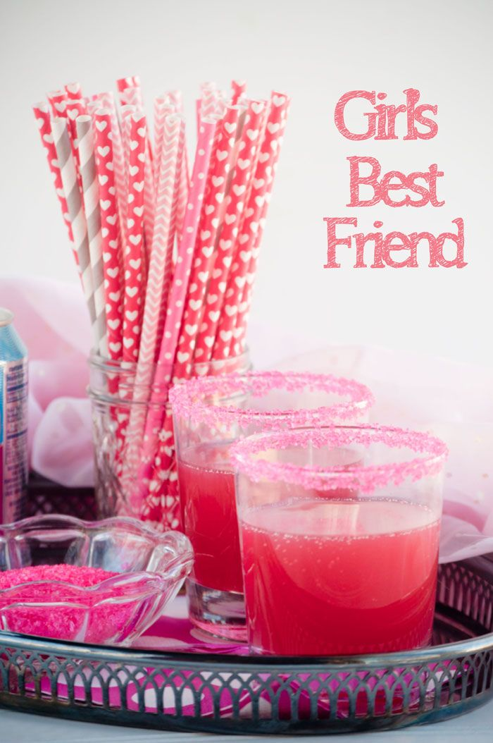 Girl's Best Friend Cocktail is a perfectly pink and pretty drink for sipping with your best gals. Make it for Valentine's Day or Galentine's Day! | cupcakesandkalechips.com