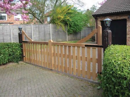 Google image result for for Wood driveway gate plans