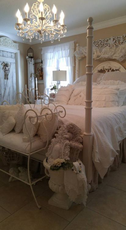 Romantic cottage beautiful bedrooms pinterest for Beautiful bedroom pictures me