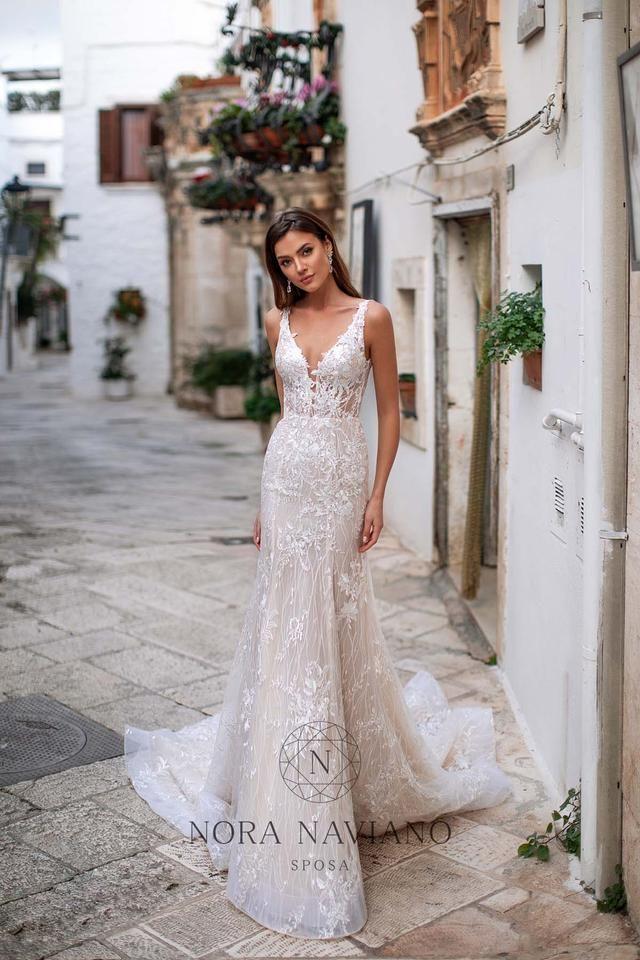 Pin By Ashlynn Beckett On I D O In 2020 Size 12 Wedding Dress European Wedding Dresses Italian Wedding Dresses