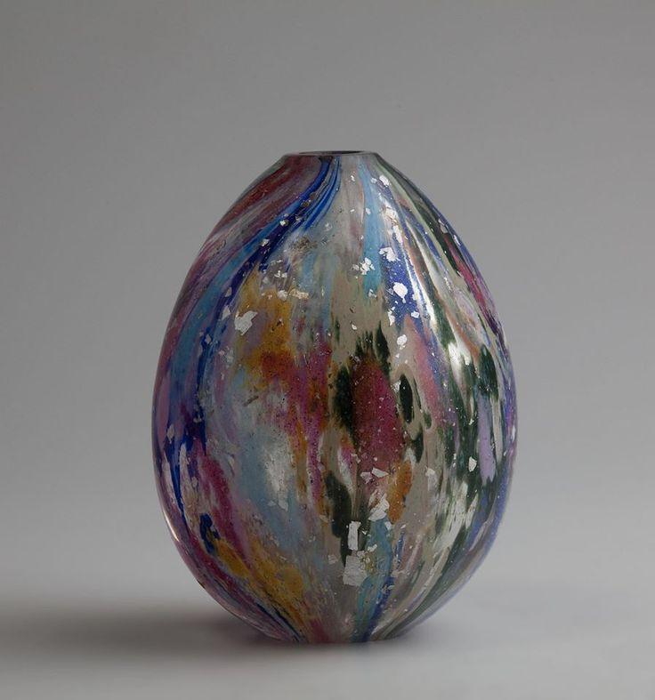 Яйцо пасхальное с цветной крошкой и серебристыми блестками. Императорский стеклянный завод. 1890-е гг.
