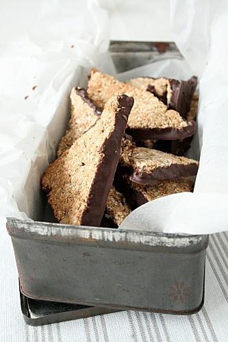 biscuit / triangle noix de coco-chocolat { sans oeuf ni beurre } 2 s