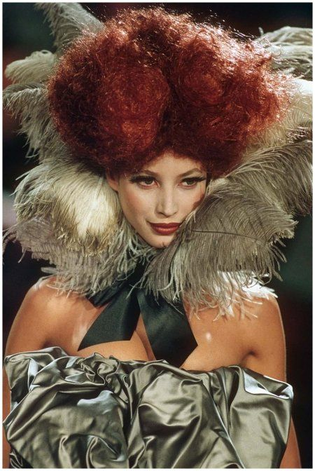 Christy Turlington walking the Vivienne Westwood show s/s 1993
