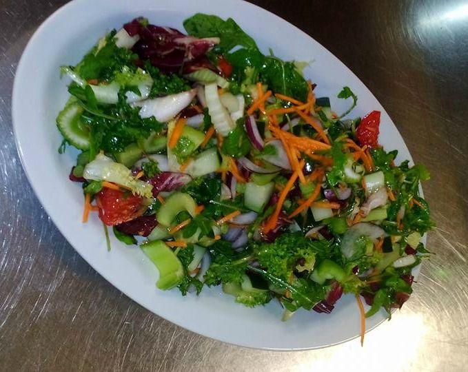 Ecco alcune ricette della insalata mista che ti aiuteranno a perdere peso,sono molto valide per bruciare i grassi in eccesso