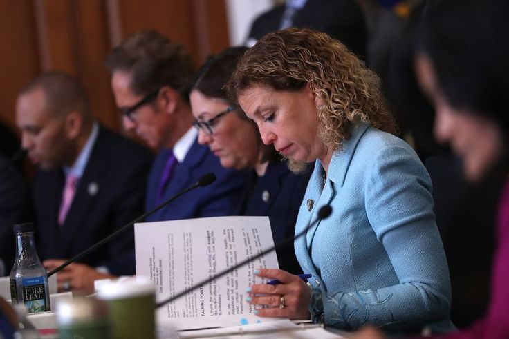 DNC Lawyers Argue DNC Has Right to Pick Candidates in Back Rooms