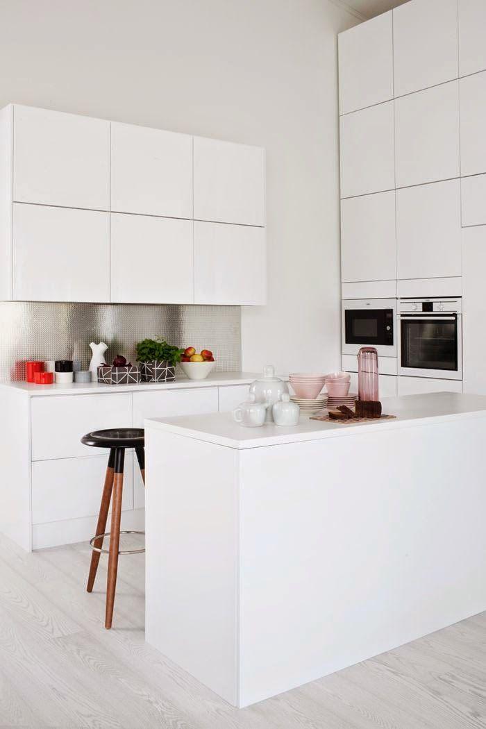 17 mejores ideas sobre peque as cocinas blancas en for Cocinas blancas pequenas