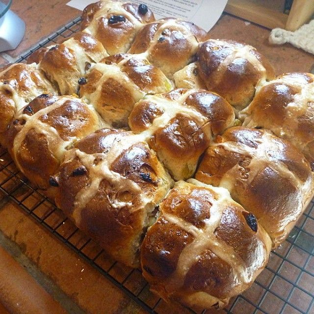 Haven't been able to find hot cross buns so i made my own. Recipe at atravellingcook.com #vegan #baking #easter #expat #expatwoes #veganfoodshare #whatiateforlunch #whatfatveganseat #love
