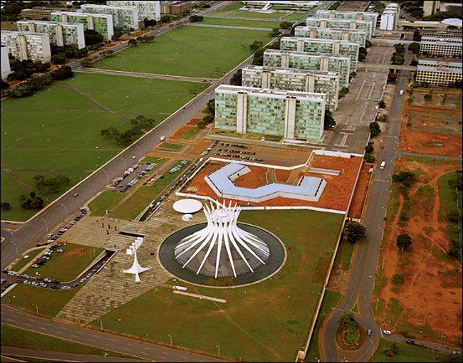 Oscar niemeyer brasilia cathedral buscar con google for Oscar plans