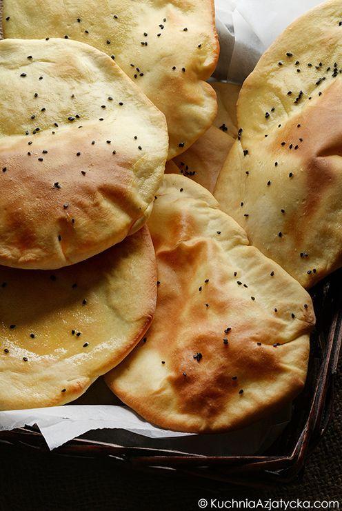 Chlebki naan © KuchniaAzjatycka.com