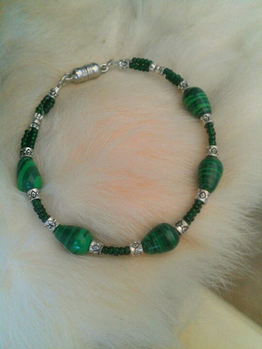Better pic of the 2nd malachite bracelet that I made for Mom.