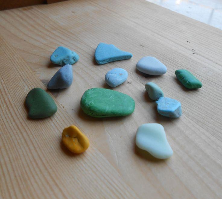 Multicolor sea glass pottery mix, blue,turquoise,yellow,green milk sea glass, uncommon beach finds,creative crafts supplies,12 pieces. SG54 di lepropostedimari su Etsy